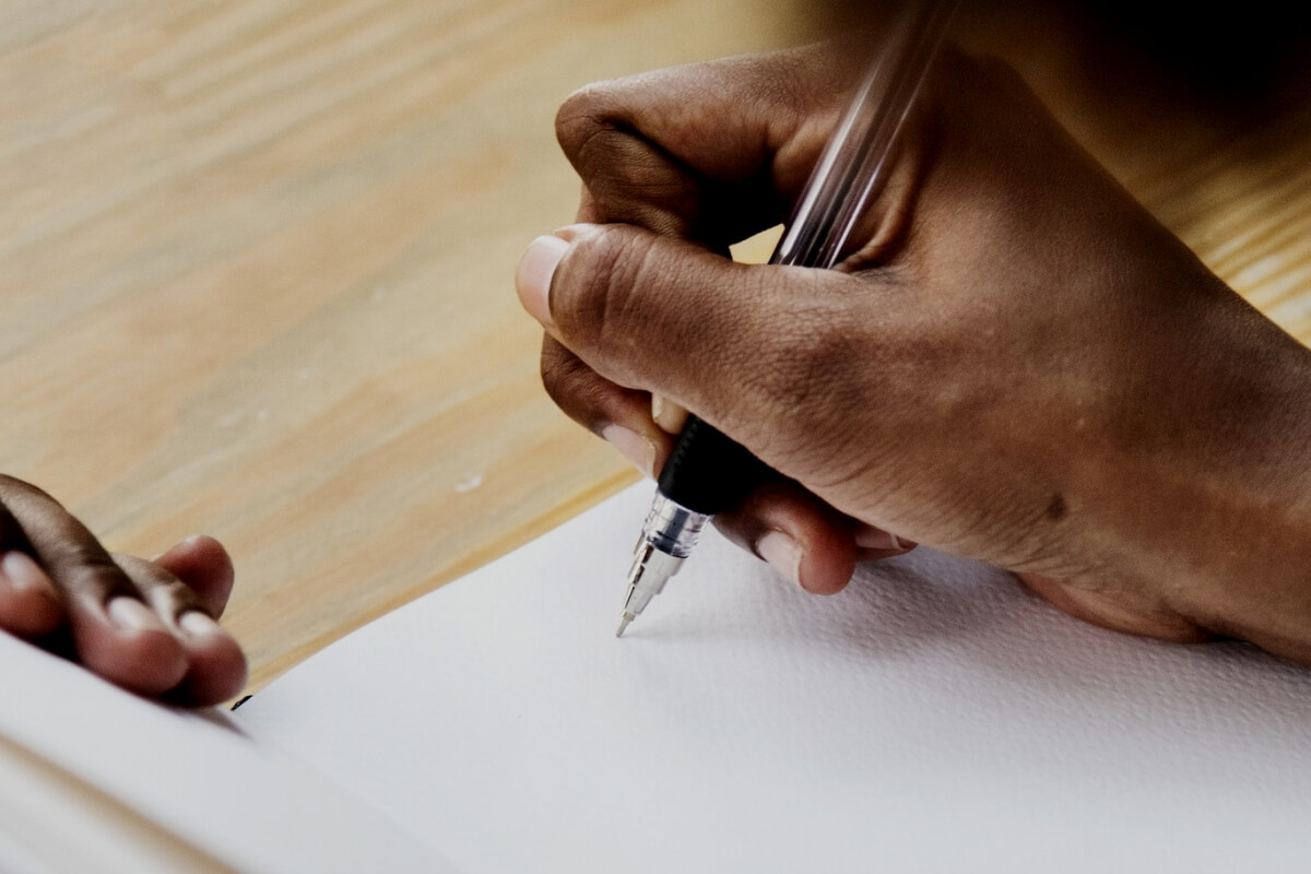 Elogio funebre, esempio su come scriverlo adeguatamente